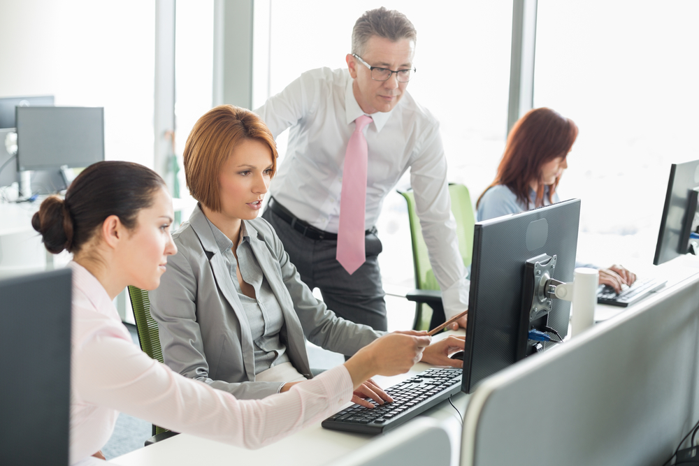 business-people-working-on-computer-in-office